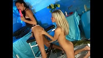 Pussy leasbian Blonde and brunette leasbians play with toys and strapon after pussy licking