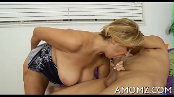 Sex games vidios Mature goes wicked in a sex game