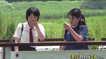 Japanese students piss 10 min