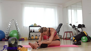 Fitness Rooms Anal sex at the gym fit blonde Venera Maxima takes BBC ass fuck and facial