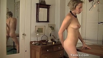 Teen girl bedroom furniture - Yanks milf kiki humps and squirts