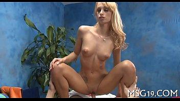 Peachy blondie receives agonorgasmos