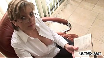 Unfaithful british mature lady sonia reveals her massive naturals