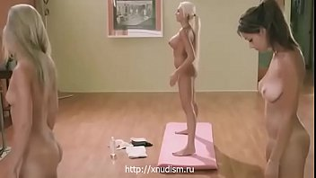 Naked girls gymnasts trained well (www.xnudism.ru - girls nudists)
