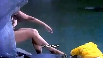 rekha wet cleavage mote boobs