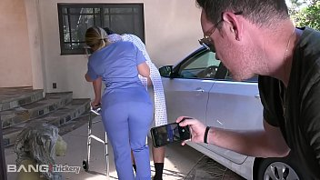 Trickery - PAWG AJ Applegate has sex on the job 11分钟