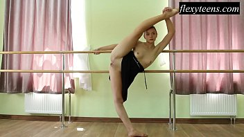 Nude ballet errotica - Hot girl regina blat performs gymnastics