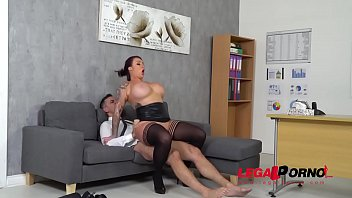Tits im tops - Top-heavy boss harmony reigns gets fucked hard by co-worker at the office gp231