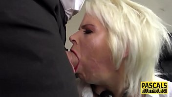 Throated and mouth jizzed sub gets paddled Vorschaubild