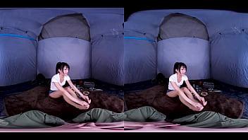キャンプ中【突然の嵐】怖がるみつきちゃんを支えたら吊り橋効果でヤレました!しかも中出しw 渚みつき