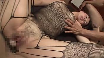 純粋な妻を他人に抱かせます。夫の性癖に付き合わされ、人生で初の変態的なセックスを経験する。パート3