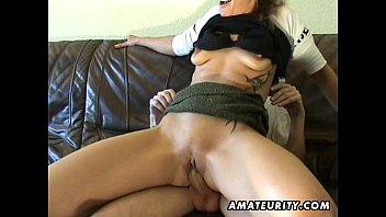 Amateur Milf toys her pussy, sucks and fucks with cum Vorschaubild