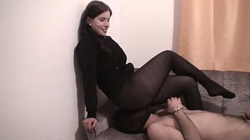 Facesittinggirls smother slaves in nylons
