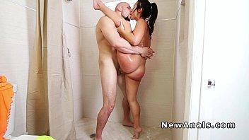 Twerking hottie anal banging in shower