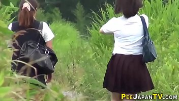 Watched asian teens in uniform pee 6分钟