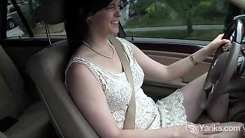 Yanks Babe Savannah Drives & Cums