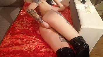 Lucy Ravenblood self anal and pussy fisting