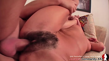 Hot Milf rides a young dick in her apartment! Amateurcommunity.xxx