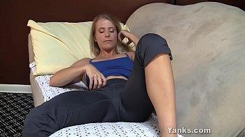 Yanks MILF Skyla Masturbates And Cums 9分钟