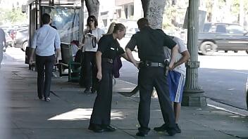 Las Tetas de una Chica Policia 3分钟