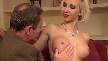 An old pervert receives a superb whore and expands her pussy and asshole.