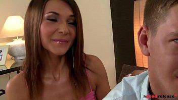 Ivana Sugar licks and fingers Alexis Brill while boyfriend fucks her ass