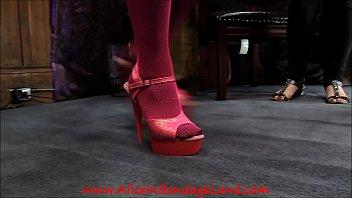 Pedicure Bargain - Foot Fetish Mistress Worship AliceInBondageLand 6分钟