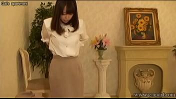 Busty Japanese Babe Yuu Shinoda Undressing 86 sec