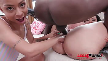 Busty brazilian milf Elisa Sanches gets hardcore anal fucking with DP, DAP and Fisting YE068 90秒