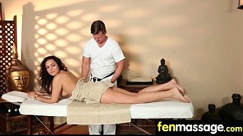 Sexy Masseuse Helps with Happy Ending 6 thumbnail