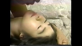 Young girl swallowing spit of an ugly old man 4 4分钟