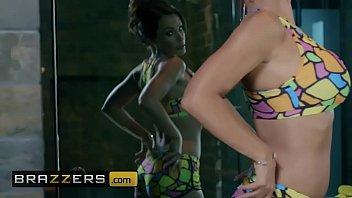(Lisa Ann, Jordi El) - Lisas Pool Boy Toy - Brazzers
