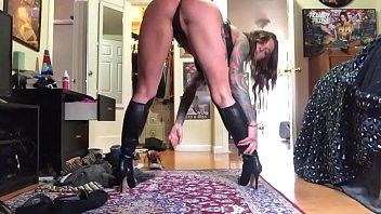 Puss in leather boots worship