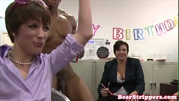 Real amateur banged by stripper for her bday