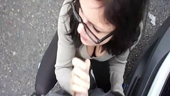 Suck cum and swallowing - Amateur suck and swallow on road