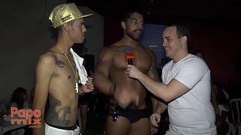 Gogoboy Allan Gonçalves em festa particular