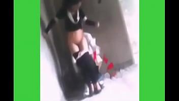 اﻷب يمارس الجنس مع إبنته الصغيرة في مكان مهجور الفديوا كامل /
