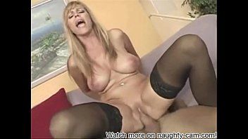 Amateur Mom: More on naughty-cam.com
