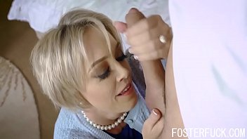 Blonde Busty MILF Foster Mom Fucks Son To Get Pregnant- Dee Williams