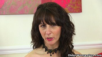 Wifes pantyhose - Scottish milf toni lace will tell you how to wank it