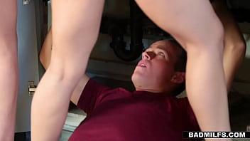 Sarah Vandella joins Lily Jordan in a 3some fuck