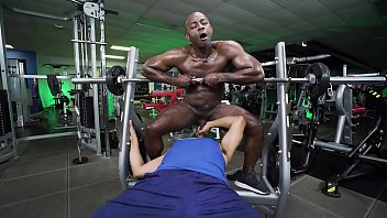 GAYWIRE - Aaron Trainer Trains Gives Leo Silva Private Lesson In The Gym