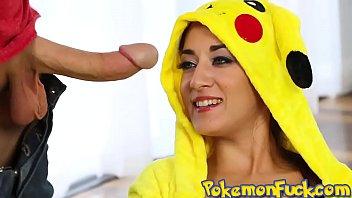 Cosplay pokemon sexy A wild pikahoe appears first pokemongo xxx scene