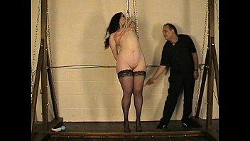 Emmas Tit Hanging Vorschaubild