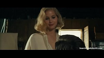 Jennifer Lawrence in Serena 2019 24秒