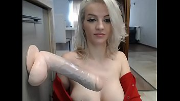 Booby babe Sucking 11 inches Dildo on Cam