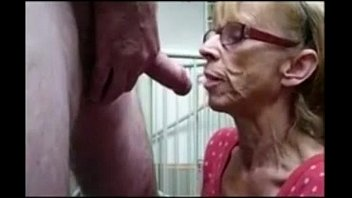 Grandma from EpikGranny.com gives great blowjob