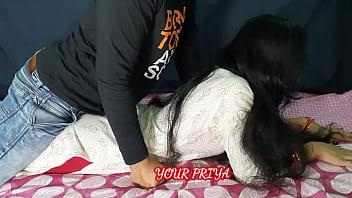 पत्नी मना करती रहीं फिर भी उसका पति उसे चोदता रहा | साफ़ हिंदी आवाज मे | YOUR PRIYA