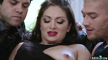 Careful MILF stepmom Lea Lexis double penetrated by stepsons