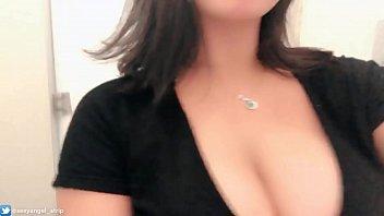 Publico safada exibicionismo no shopping Provador, estacionamento masturbando mostrando os peitos Putinha safada plug anal thumbnail